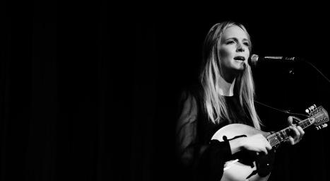 Webb Sisters - Elgar Room - London - 21st Apr 14-14